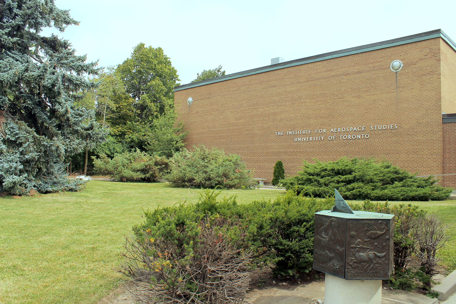 The UTIAS building at University of Toronto North Campus.